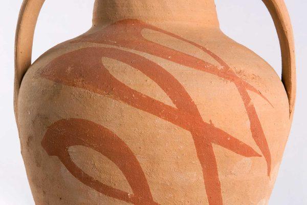 Στάμνα, Μαργαρίτες Κρήτης. Συλλογή Κ.Μ.Ν.Κ.